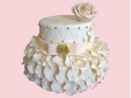 Двухъярусный белый свадебный торт с розовым цветком № 663