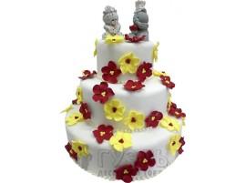 Белый трехъярусный свадебный торт с цветами № 352