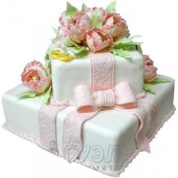 Белый квадратный свадебный торт с розовым бантом № 362