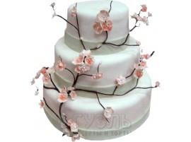 Белый трехъярусный свадебный торт с сакурой № 382