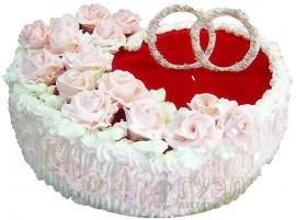 Бело-красный свадебный торт в форме сердца № 142