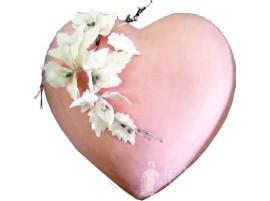 Свадебный торт в форме сердца розовый с мастикой № 150