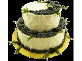 Свадебный торт ягодный с голубикой, покрытый сливками