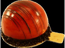 Муссовое пирожное Готье с клубничной начинкой