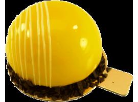 Муссовое пирожное Готье с начинкой манго-маракуйя